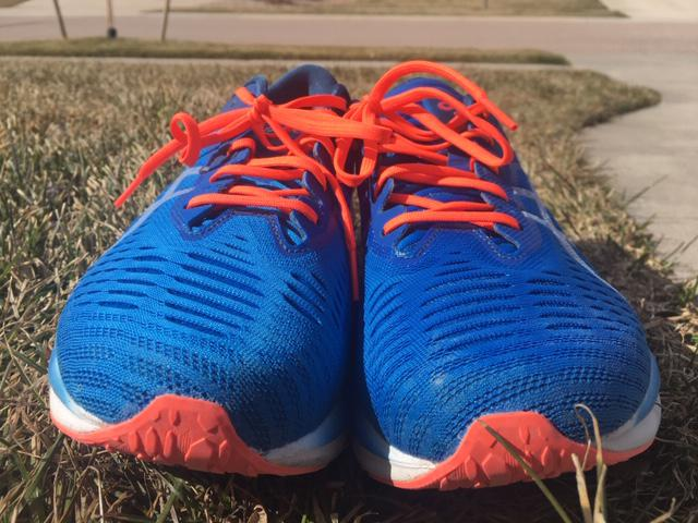 Asics Novablast - Recensione Scarpe Running